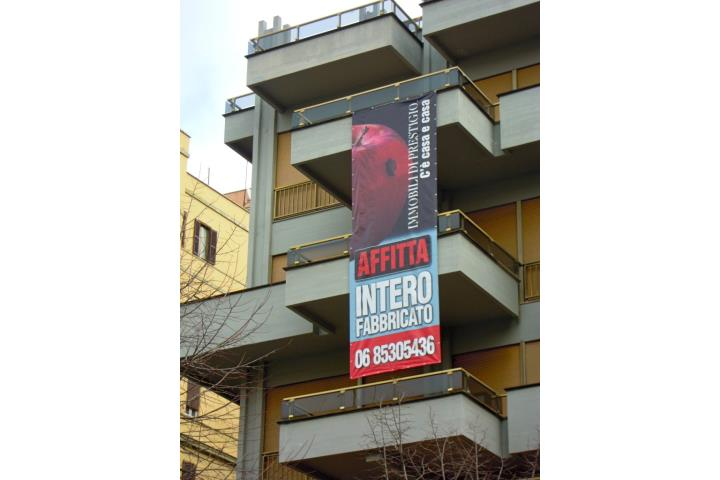 Immobile Commerciale in Affitto Roma